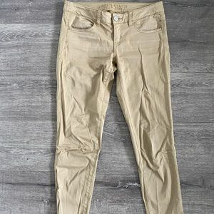 Cargo pants size 4 from American Eagle
